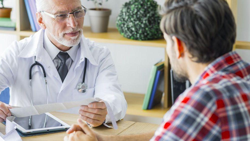 En diez años se jubilarán 70.000 médicos en España