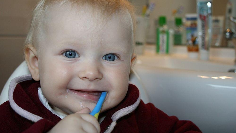 Los niños empiezan a cepillarse los dientes demasiado tarde