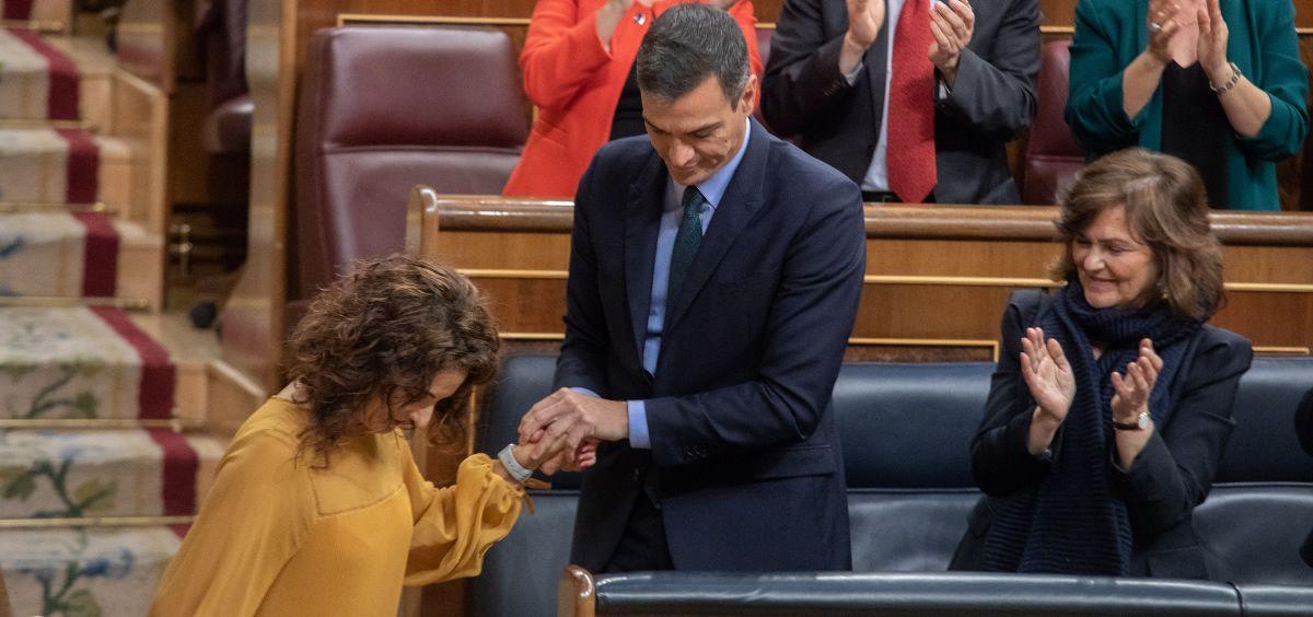 Pedro Sánchez, presidente del Gobierno, junto a María Jesús Montero, ministra de Hacienda.