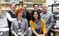 Grupo de investigadores. Sentadas Elisa Fernández Núñez y María Cristina Estañ. De pie, Pablo Lapunzina, Julián Nevado, Víctor L. Ruiz Pérez y Victor Martínez Glez