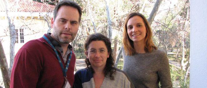 Pablo Fernández, Beatriz Pérez y Lara Rodríguez, tres de los autores del estudio
