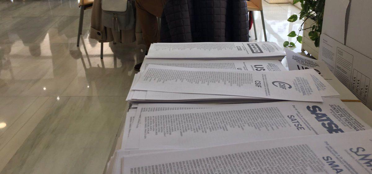 Papeletas de los diversos sindicatos que han concurrido a las elecciones sindicales del SAS