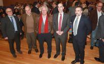 El consejero de Sanidad, Jesús Vázquez Almuiña, durante la presentación del nuevo modelo de Atención Primaria de Galicia junto a otros responsables del Sergas.