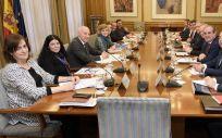 Reunión del Ministerio de Sanidad con los Consejos Generales de los profesionales prescriptores y dispensadores, junto a la Fundación IDIS.