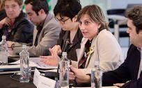 Alba Vergés, consejera de Salud de Cataluña, se dirige a los asistentes en el Foro de diálogo profesional.