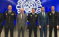 Reunión de la Policía Nacional con miembros del CGE y la OMC, entre otros colectivos sanitarios.