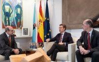 Reunión este miércoles entre el consejero de Sanidad del País Vasco, Jon Darpón, y su homólogo gallego, Jesús Vázquez Almuiña, junto al presidente de la Xunta, Alberto Feijóo
