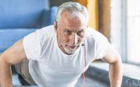 En el estudio se compararon sujetos sedentarios con personas que llevaban practicando entre 15 y 35 años de entrenamiento a largo plazo