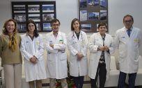 María Martín, consejera de Salud de La Rioja, junto a los profesionales que han participado en el encuentro de la nueva consulta