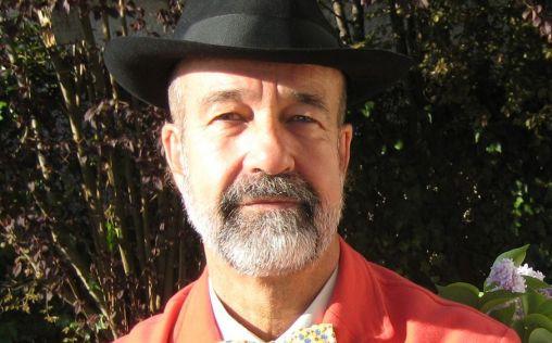 Lluvia de críticas a Juan Gervás por su postura antivacunas