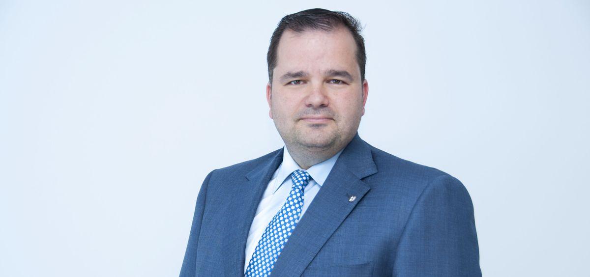 Gabriel Jesús Núñez, director general de Uniteco, explica el desarrollo de los juicios penales a médicos