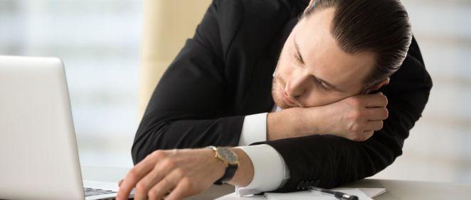 Uno de los principales síntomas de la narcolepsia es la excesiva somnolencia durante el día