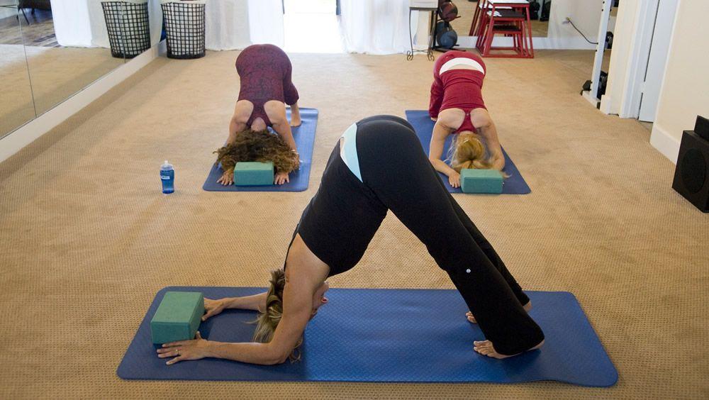 El yoga puede perjudicar a los pacientes con osteoporosis