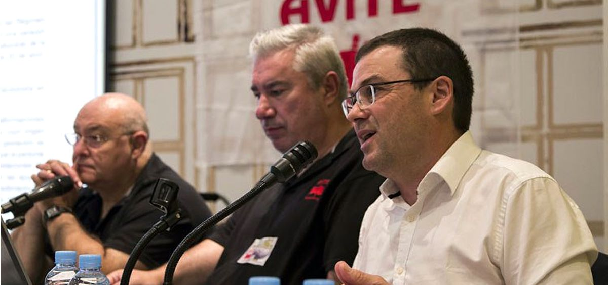De izquierda a derecha: José Riquelme, presidente de Avite, Rafael Basterrechea, vicepresidente e Ignacio Martinez, abogado (Foto: Avite)