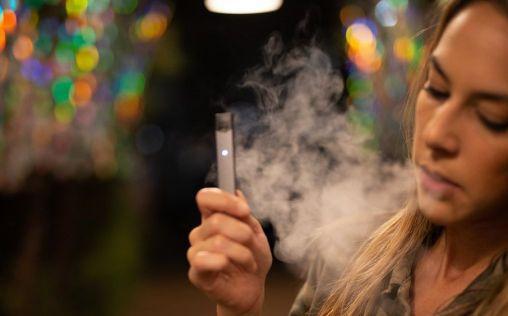 """Juul, el """"dañino"""" e-cigarrillo de Sillicon Valley, al que cierran sus puertas fuera de EE.UU."""