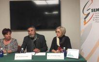 Nieves Rodríguez Herrero, José Luis Llisterri y Pilar Robles Villalba en la sede de Semergen