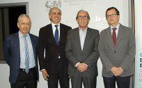 El consejero de Sanidad de la Comunidad de Madrid, Enrique Ruiz Escudero, segundo por la izquierda, durante la clausura de la Alianza para la Prevención del Cáncer de Colon.