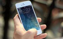 La pantalla del móvil, un foco para las bacterias