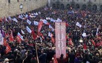 Instantánea de una de las manifestaciones en defensa de la sanidad pública celebradas en Santiago de Compostela este año.