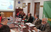 Representantes del Consejo Andaluz de Colegios Médicos (CACM) durante la presentación del estudio demográfico.