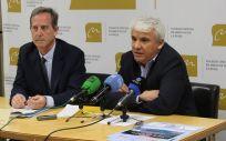 El Dr. Rafael Crespo Sabarís, presidente de la SRHTA y RV, y D. Carlos Piserra Bolaños, subdirector del Área de Salud de La Rioja.