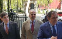 Manuel Villegas, a la izquierda, junto a los consejeros de la Comunidad de Madrid, Castilla y León y Andalucía, a la llegada al Interterritorial