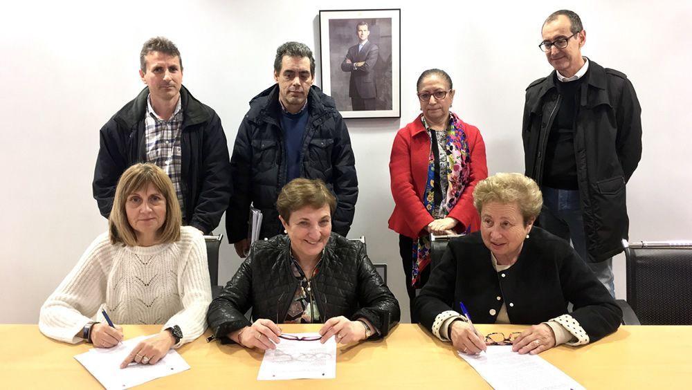 Los representantes de la Consejería de Sanidad de Cantabria y los sindicatos firman el acuerdo