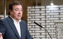 Guillermo Fernández Vara, presidente de Extremadura, durante la presentación del Protocolo de atención a personas trans