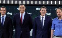 Pablo Casado (PP), Pedro Sánchez (PSOE), Albert Rivera (Ciudadanos) y Pablo Iglesias (Unidas Podemos) al inicio del debate electoral de RTVE (Foto: PSOE).