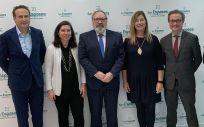 De izq. a der.: José Luis Enríquez, Angélica Miguélez, Juan Blanco, Patricia Gómez, Josep M. Pomar y Nacho García.