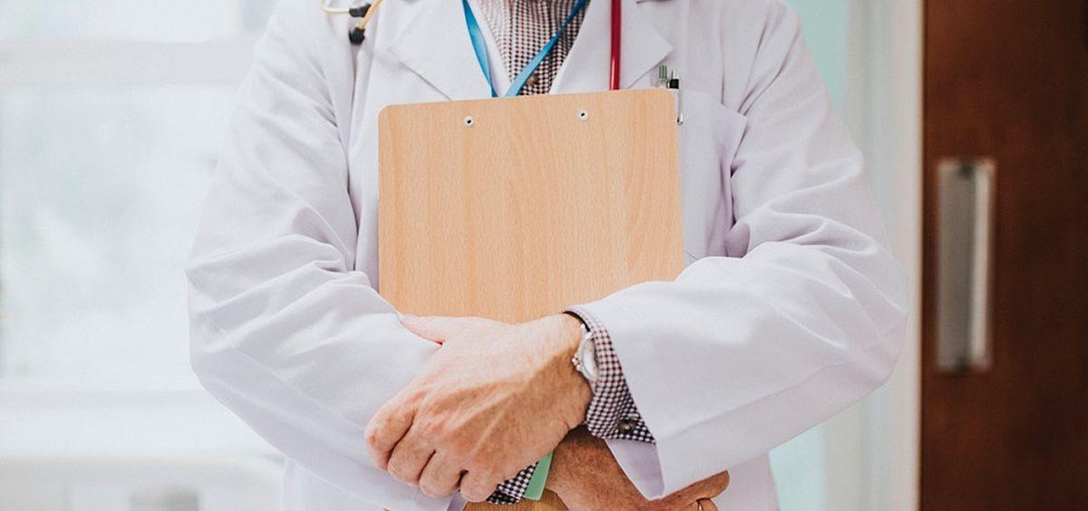 En 2018, 3.525 médicos solicitaron los papeles para irse a trabajar al extranjero.