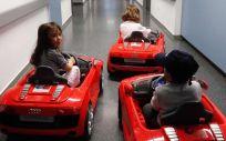Madrid incorpora coches eléctricos en los hospitales para reducir la ansiedad de los niños