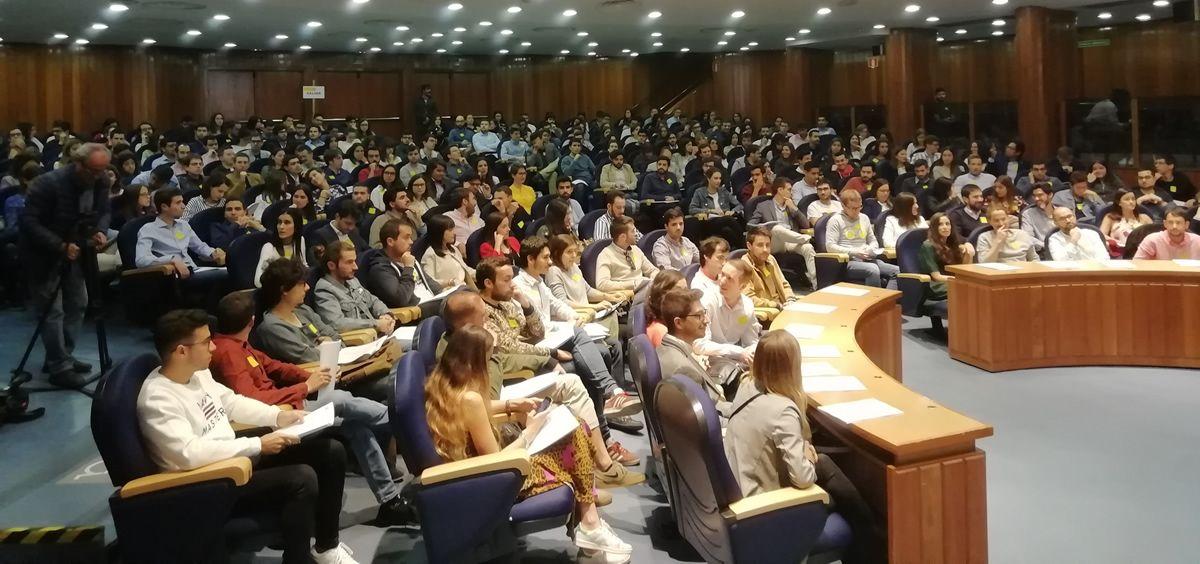 Los futuros residentes durante el primer día de adjudicaciones de las plazas del MIR 2019