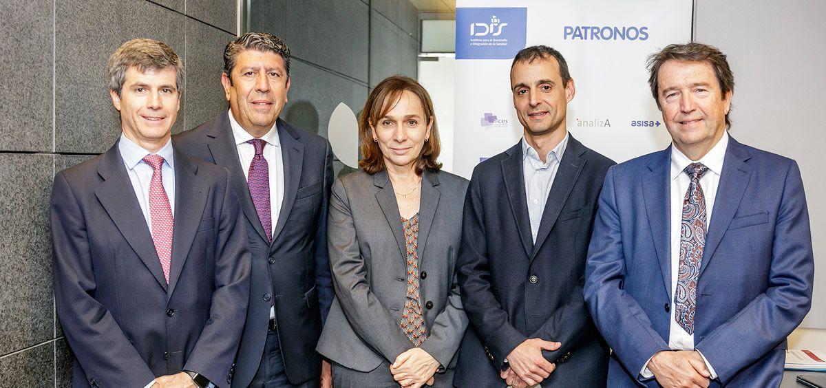 De izquierda a derecha, Adolfo Fernández Valmayor, Manuel Vilches, Núria Solé, Iván Planas y Lluís Monset.