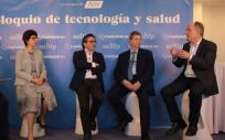 De izquierda a derecha: Juan Blanco, Mercedes Herrero, Julio Mayol, Antonio López Farré y Fidel Campoy, durante el 'Coloquio de tecnología y salud'