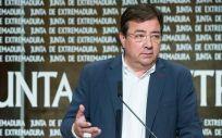 El presidente de la Junta de Extremadura, Guillermo Fernández Vara, en rueda de prensa posterior al Consejo de Gobierno