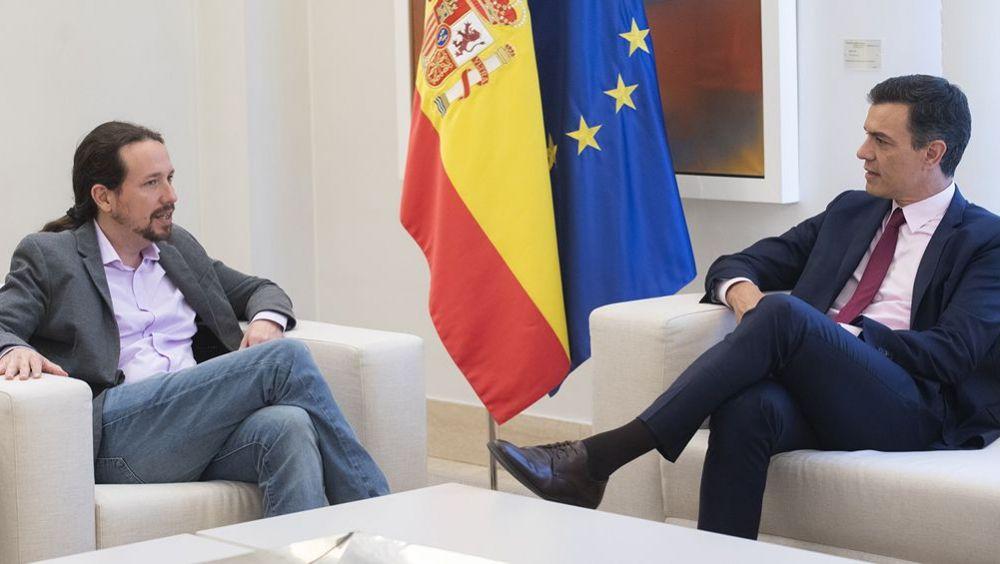 Pablo Iglesias, secretario general de Podemos, y Pedro Sánchez, presidente del Gobierno en funciones, en una reunión en La Moncloa. (Foto. Pool Moncloa/Jorge Villar)