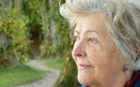 La soledad no deseada, factor de riesgo de demencia