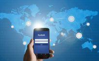Facebook elimina cuentas y usuarios que desinformen sobre el coronavirus (Foto. Freepik)