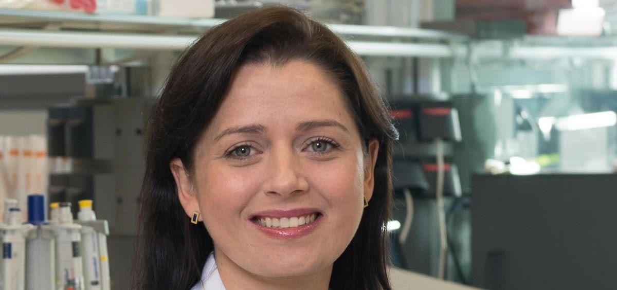 La Dra. Leticia de Mattos Arruda, responsable de la enciclopedia genética sobre las metástasis en el cáncer de mama