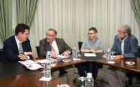 Un instante de la reunión entre José Manuel Baltar y la junta directiva del COMTF.