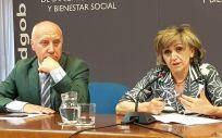 María Luisa Carcedo, ministra de Sanidad en funciones, junto a Faustino Blanco, secretario general de Sanidad.